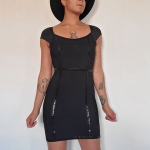 Guess scoopneck black bandage dress sz. S